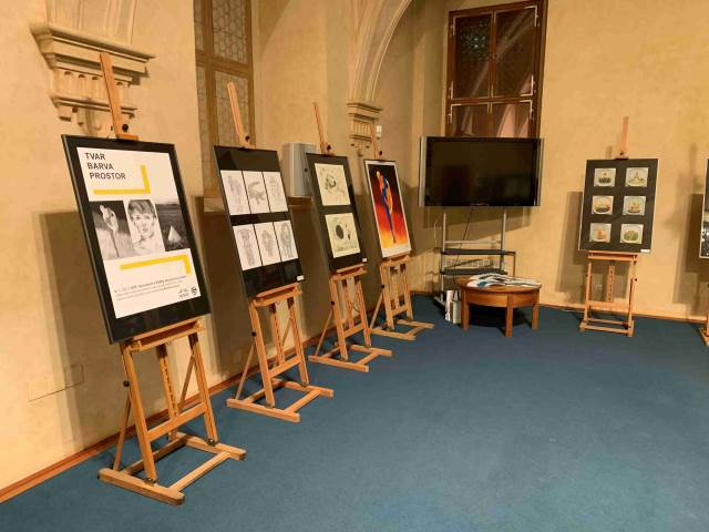 Tvar-barva-prostor výstava v senátu 2019